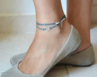 Hamsa anklet, blue ankle bracelet with a silver Hamsa hand charm, dainty anklet, minimalist jewelry, gift for her, blue anklet, silver beads