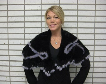 Poncho/cape/shawl shearling fur with with fringes