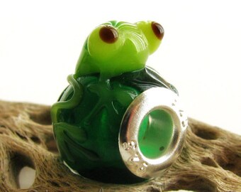 Green Sitting Frog Lampwork Glass Bead with Sterling Silver Core - Fits All European Charm Bracelets