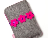 Felt cell phone cover for Iphone or smartphone - grey with pink felt flowers
