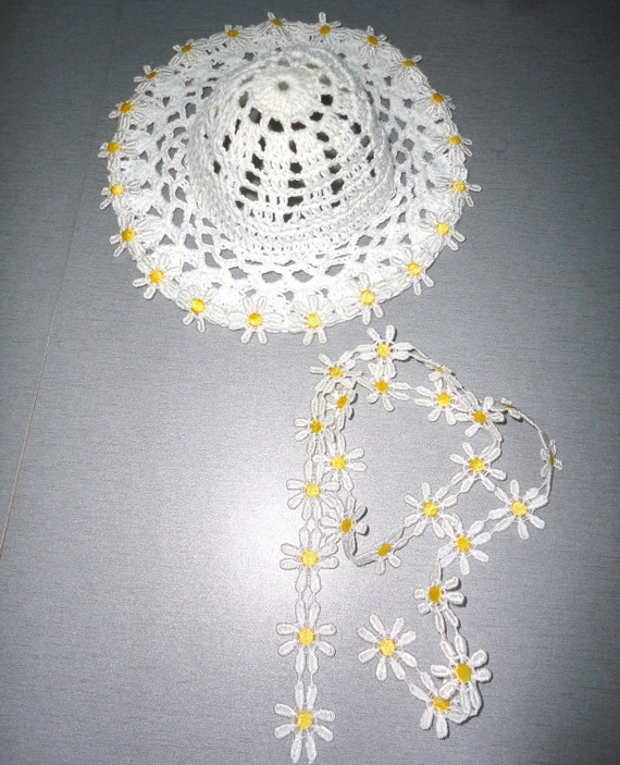 Daisy cotton hat for bjd Kaye Wiggs,Kim Lasher dolls MSD size