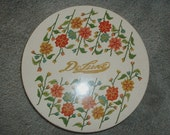 Vintage DeLuxe Tin.  Needlepoint design.