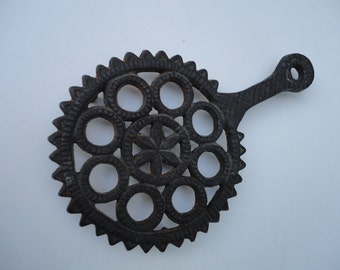 Vintage Cast Iron Trivet or Wall Hanging Unmarked