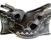 VTG 90s Indian Boho style platform wedge shoes / brown leather /  embroidered details / studs / Italian design / EU 38 / US 7.5