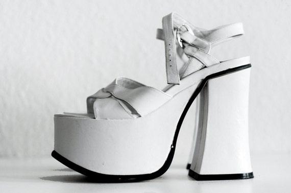 SALE vtg 90s Rare Buffalo London White Unique Leather Platforms / Platform Sandals / - Amazing - EU 38 / US 7.5