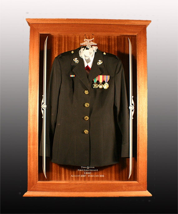 Military Uniform Display 95