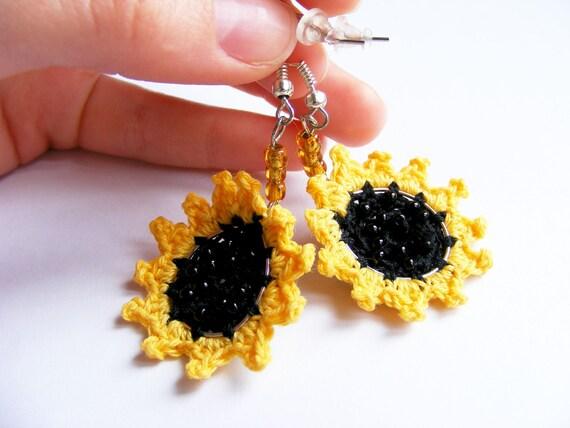 Sunflowers - crochet earrings