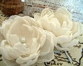 Ivory  fabric flowers, bridal hair clips, flower hair pins for wedding, fabric flower, flower for hair, bridal hair accessories