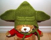 Knit baby yoda hat