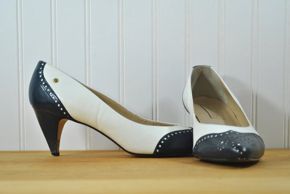 vintage high heel shoes white and navy blue pumps by