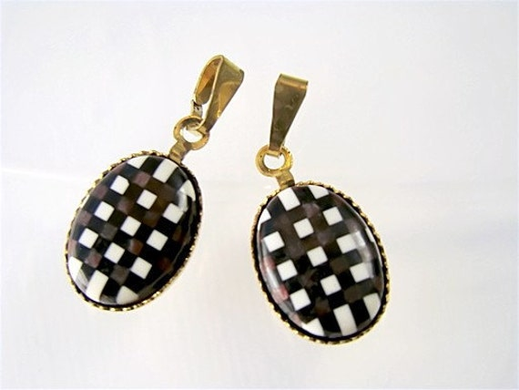 Black & White Plaid Lucite Oval Cabochons Pendants with Bail (2)