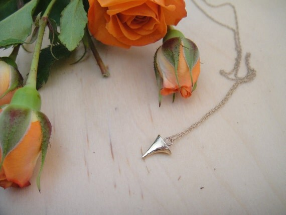 Thorn necklace Solid Gold
