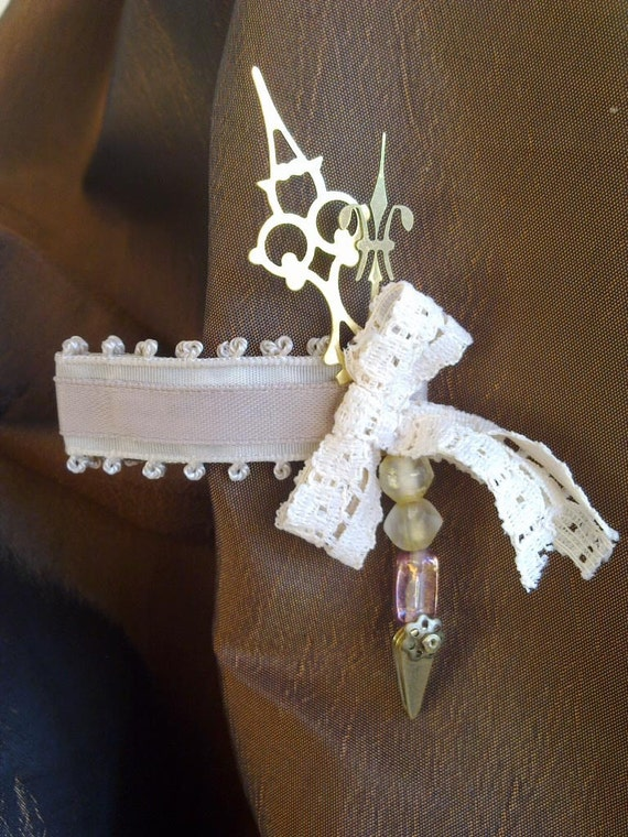 Wedding Hair Accessory: 'Lacy's Clock Clip' - Steampunk Victoriana inspired hairclip