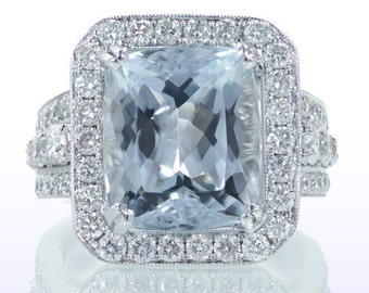 Spectacular 18K White Gold Aquamarine and Diamond Ring
