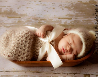 Cream Newborn Hooded Cocoon with Ribbon Bow Photo Prop