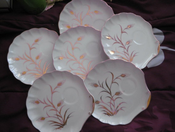 Lefton Handpainted Luncheon plates, Lefton China, Gold accents Set of Six Great