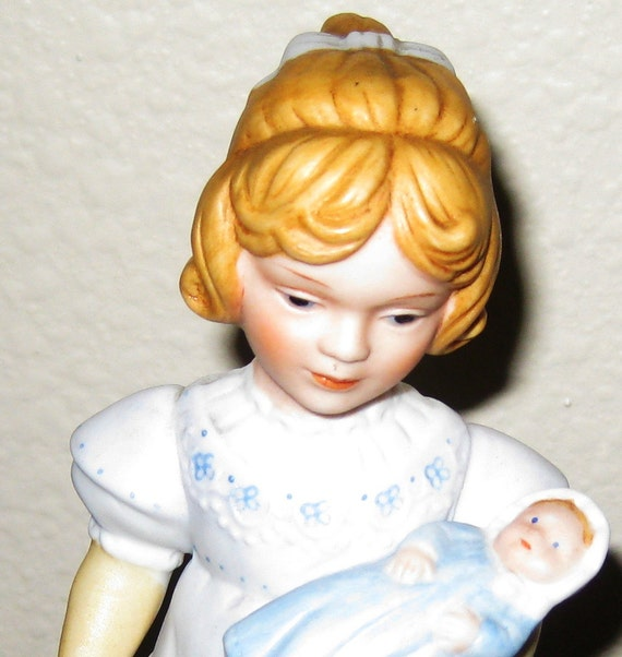 Avon Collectible Figurine: A Mother's Love PERFECT for Mother's Day