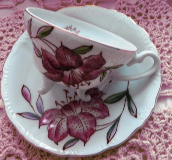 Handpainted Fine China cup and saucer: MINT