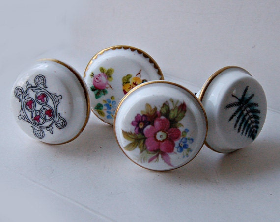 4 vintage porcelain drawer handles knobs mismatched architectural slavage