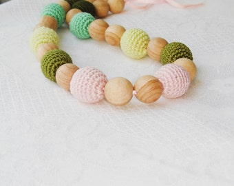 Nursing necklace Green and pink Teething necklace - Necklace for new mommy Crochet necklace