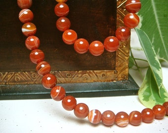 "8mm Round Red Stripe Agate Onyx beads, Item M12 - 7.5"" Strand"
