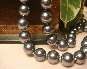 10mm Silver Grey Sea Shell Pearls, Item M118 - 10pcs