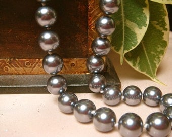 10mm South Gray Sea Shell Pearl, Item M135 - 6pcs
