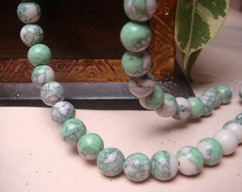 "8mm grass green & white  howlite turquoise round loose beads, Item M269 - 6.5"" Strand"