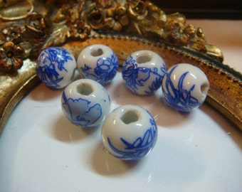 10mm Blue & White Oriental Decorated Ceramic Beads, Item M406 - 6pcs