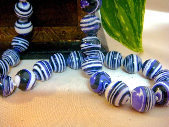 "10mm Natural Purple & White Striped Turkey Turquoise Round Stone Gemstone Beads, Item M483 - 3"" strand"