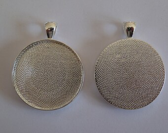 10 x Round silver plated 30mm pendant trays - blank bezel cabochon setting