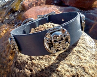 "Cool custom leather dog collar 1"" grey with skulls"
