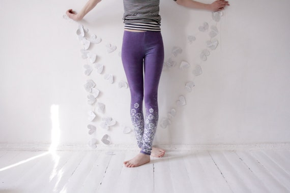 Size S- delicate lilac crystal leggings