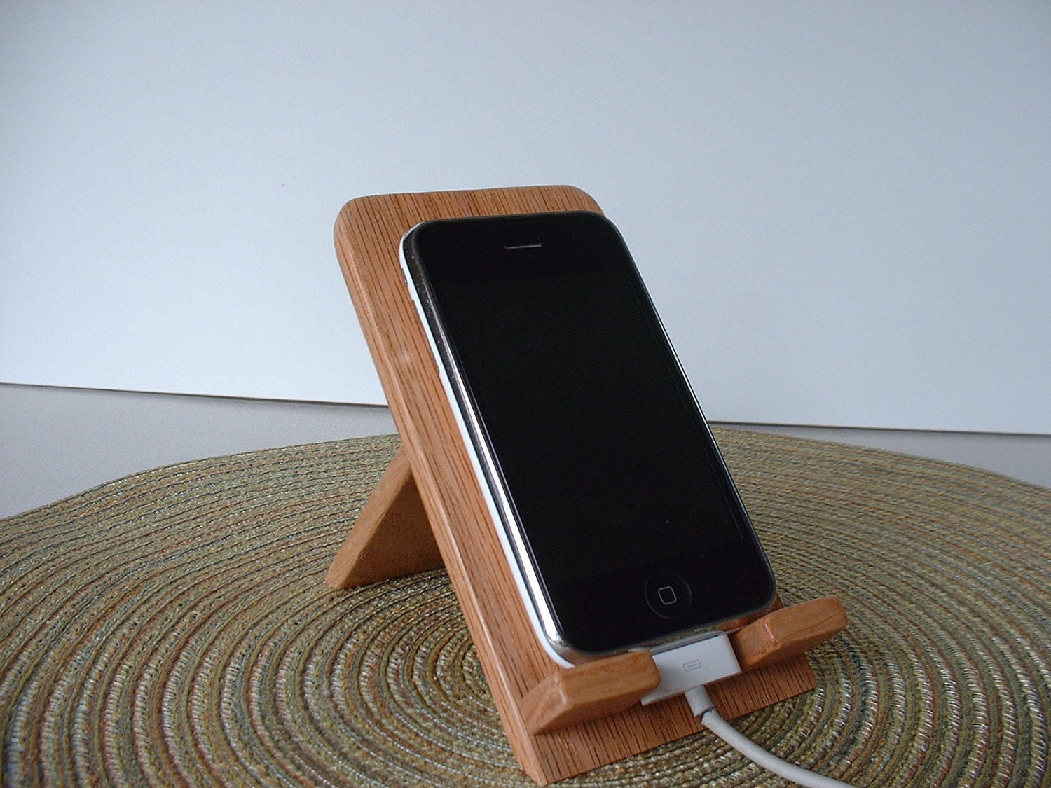 Iphone ipod touch smart phone hand crafted wooden holder