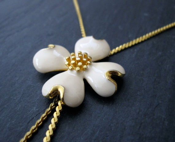 VINTAGE dogwood flower necklace - gold and ivory enamel bohemian bridal necklace - antique estate jewelry
