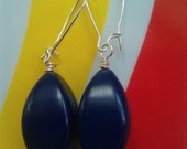 SALE Vintage Lucite Navy Blue Pinched Oval Beaded Earrings with Silver-Plated Kidney-Shaped Earwires