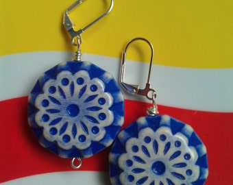 Vintage Lucite Blue Flower Bead Earrings with Silver-Plated Lever-Back Earwires