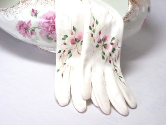 Beautiful Vintage Gloves White Long Pink Roses