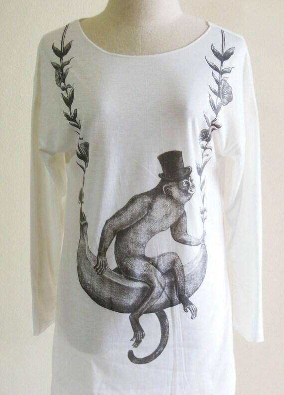 Monkey Banana Rose Flower Tree Animal Style Fashion Art Animal T-Shirt Long Sleeved White Sweatshirt Screen Print Size M