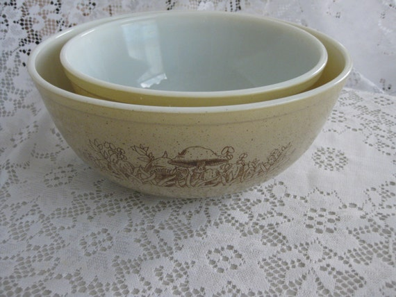 Reserved For onmywaytoglory Forest Fancies  Mushroom Pattern Pyrex Nesting Bowl no 404