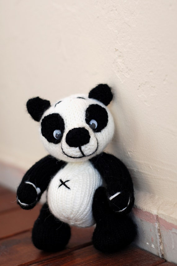 Small Panda Bear - knitting pattern (knitted round)