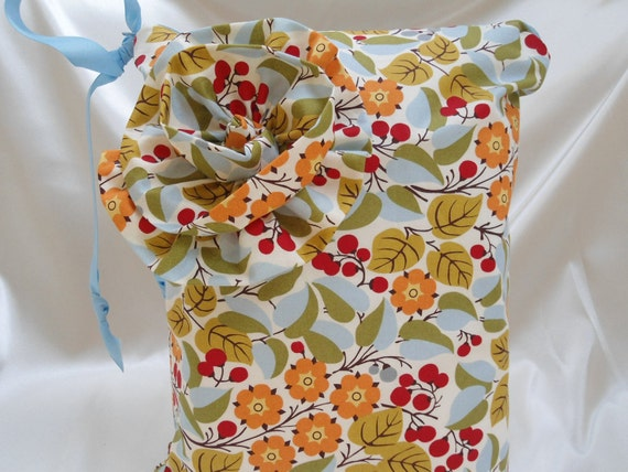 """Baby Wet Bag Large, Zipper, Red Berries and Flowers, 13"""" x 16"""", Babies and Toddlers,"""