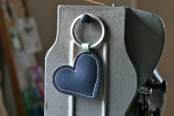 Leather key ring, Heart