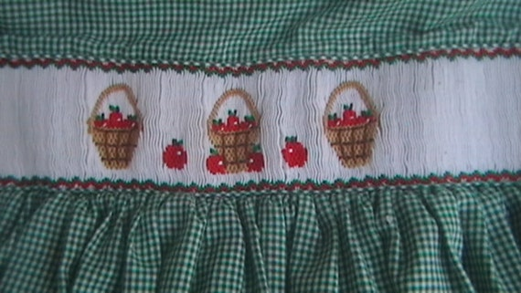 Vintage girls dress size 7/8 embroidered smocked boutique style country