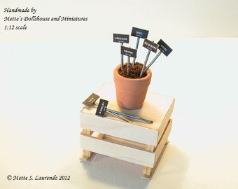 12th scale Dollhouse Miniature - Plant Tags - 'Chalkboard & Zinc - 7 different herbs - DANISH TEXT (PT4)