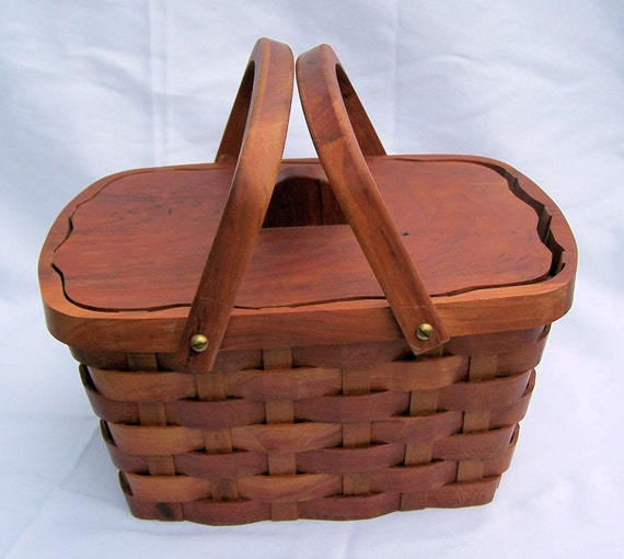 Wood Sewing Basket ,lid and liner