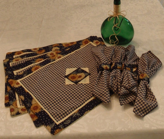 Sunflower Place Mats with Napkins and Napkin Rings (Set of Four)