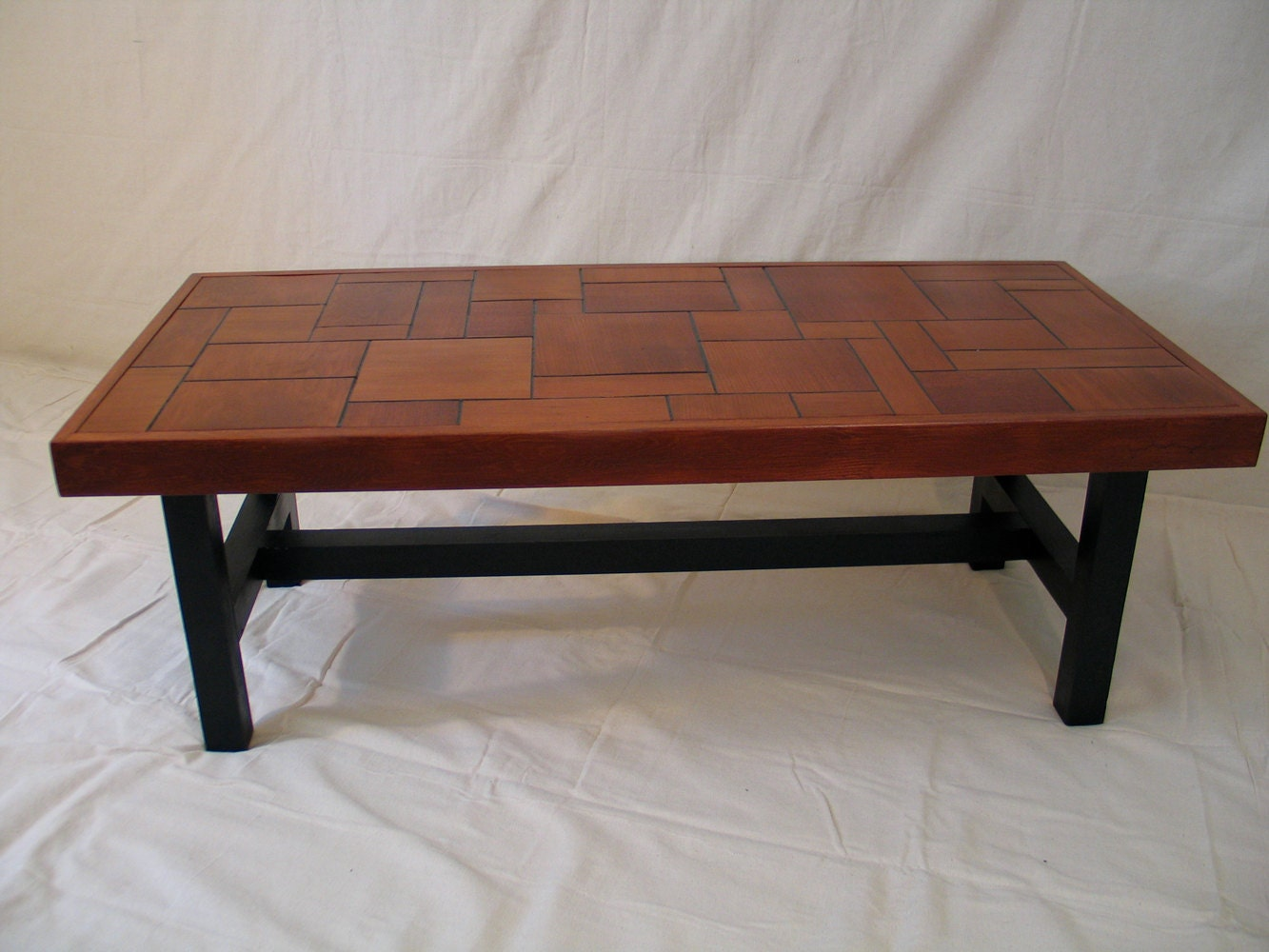 Coffee table minimalist mahogany for Minimalist coffee table