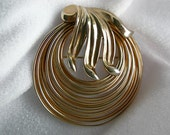 Gold Tone Freeform Circles Brooch - Unsigned - Vintage