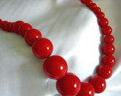 Bold Bright Red Graduated Bead Choker Necklace - Unsigned - Vintage